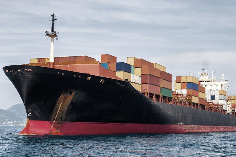 statek transportowy