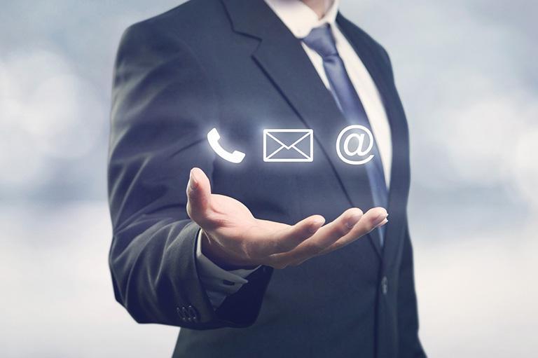 Kontakt telefoniczny mailowy elektroniczny